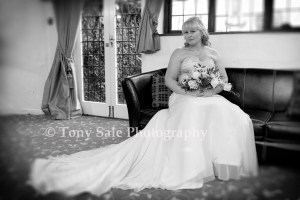 Wedding Photography St Catherine's Church Gosfield_014