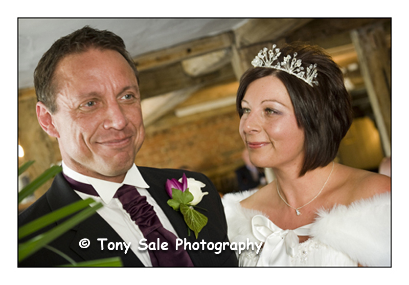wedding-photography-white-hart-great-yeldham_005