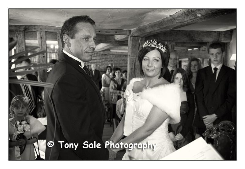 wedding-photography-white-hart-great-yeldham_007