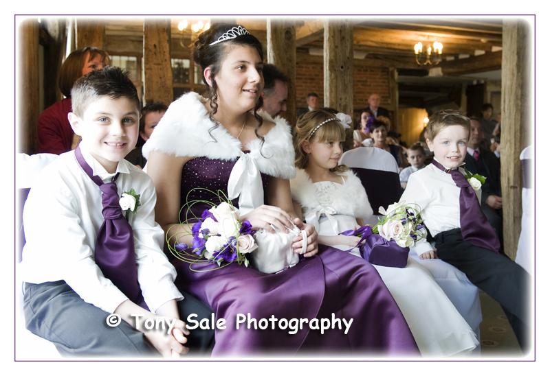 wedding-photography-white-hart-great-yeldham_009