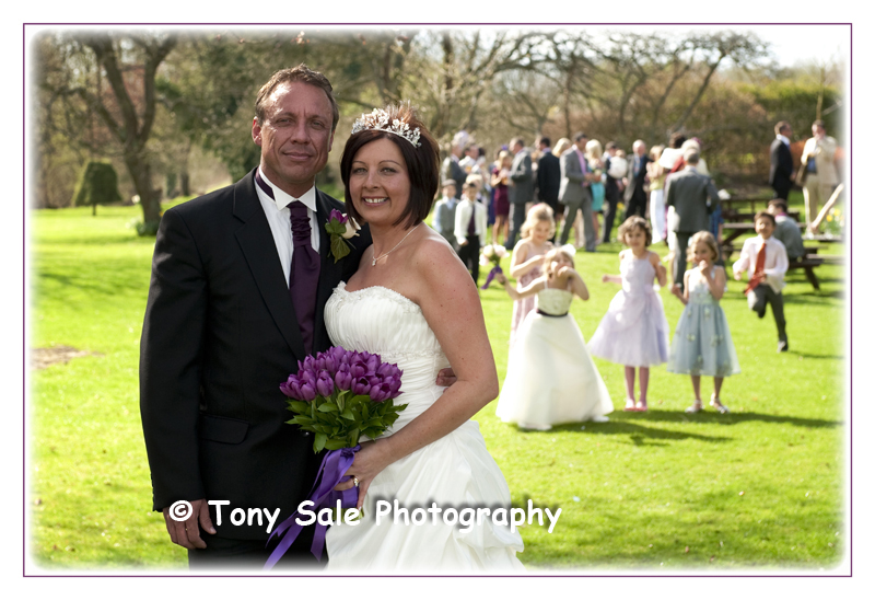 wedding-photography-white-hart-great-yeldham_011