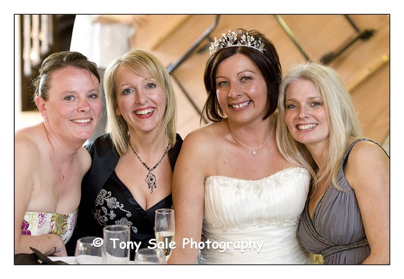 wedding-photography-white-hart-great-yeldham_016