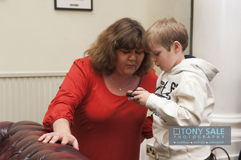 Cheryl Fergison presents Eastenders plaque to Brainwave