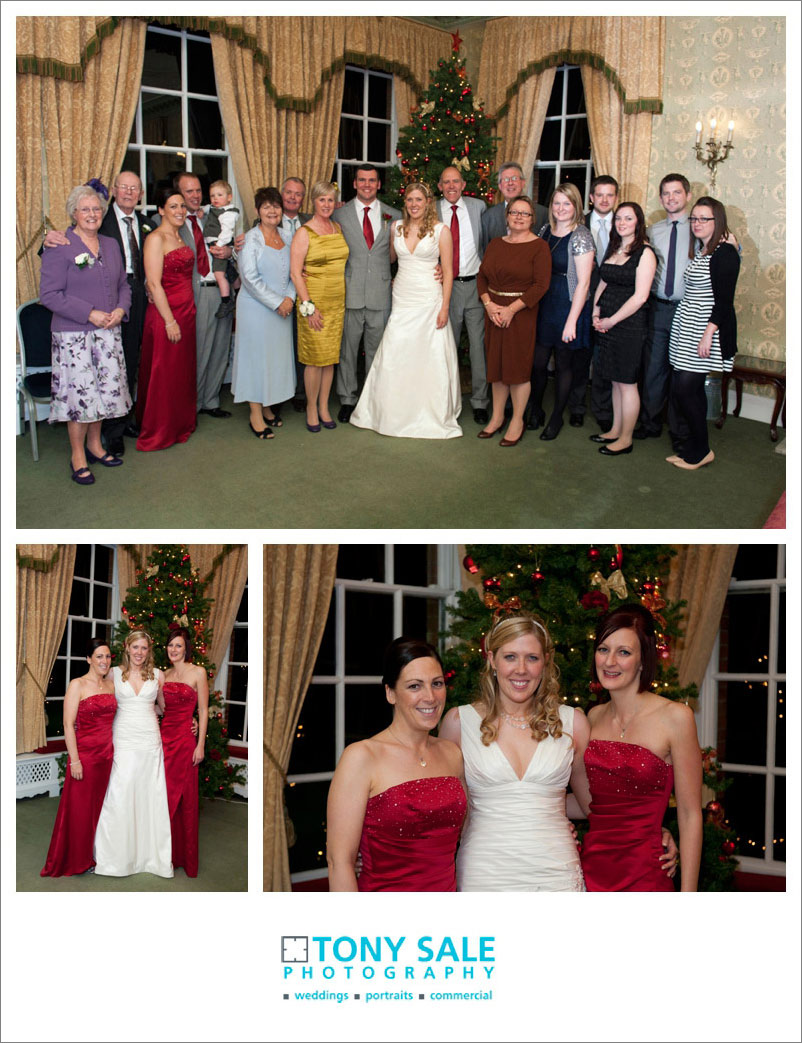 Winter wedding - group shots around the Christmas tree