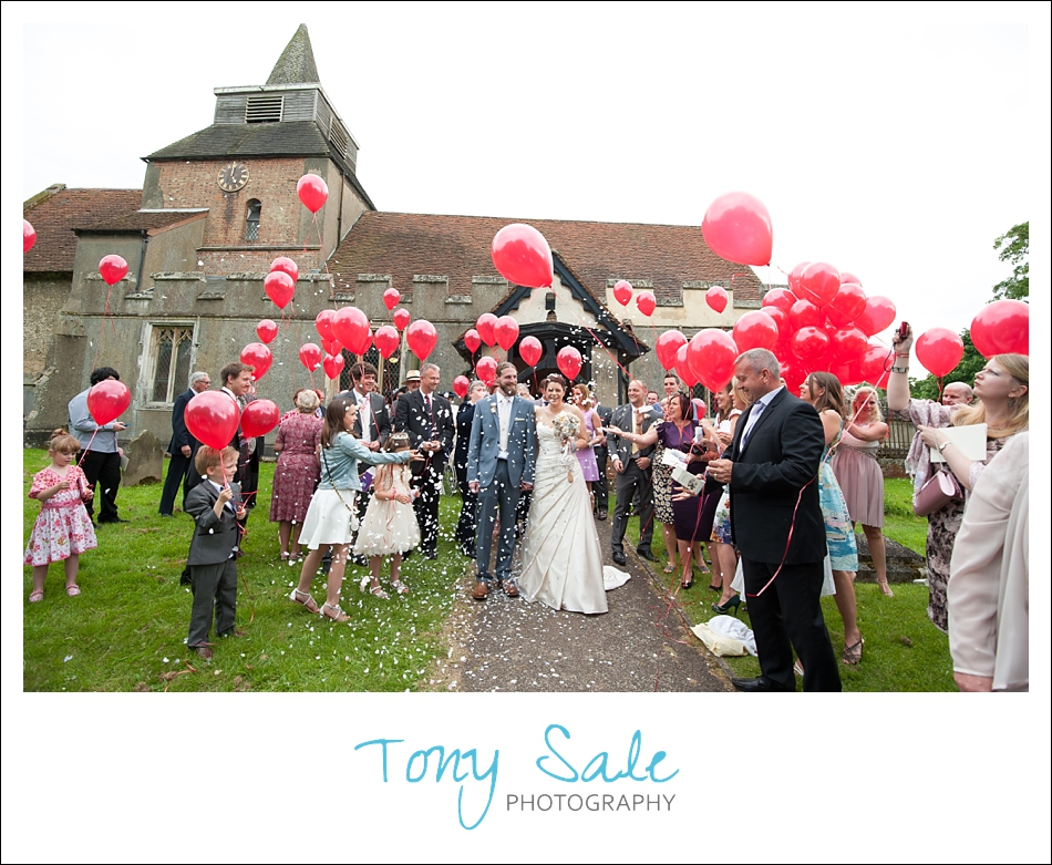 Red Balloons wedding photography Fyfield