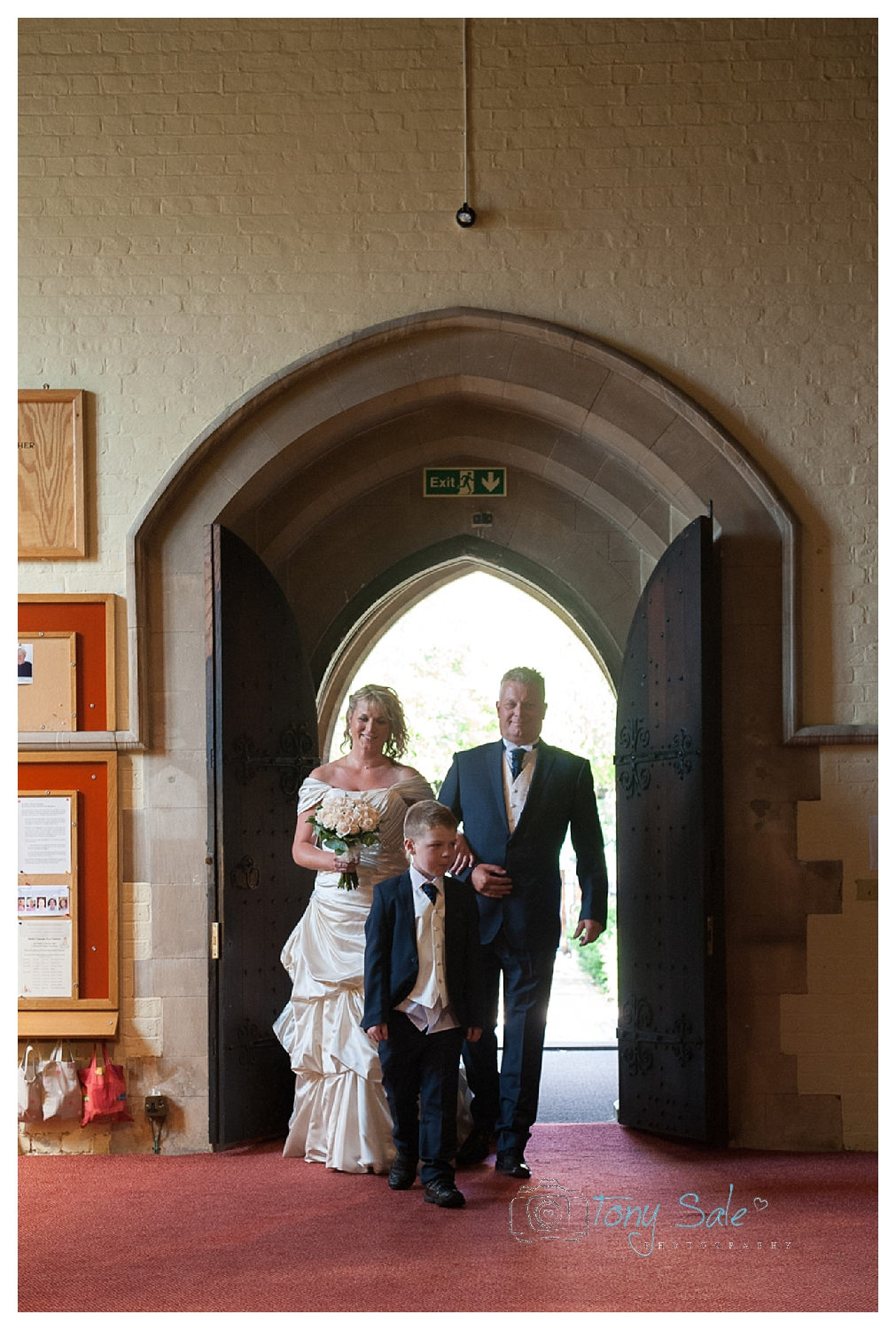 Hampton Court Wedding_Tony Sale Photography_012