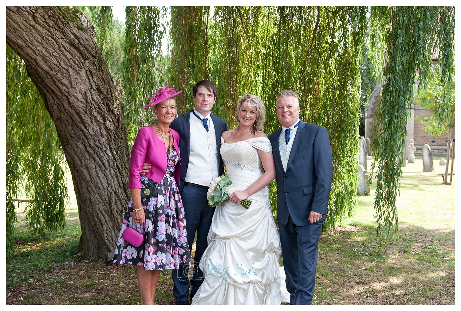 Hampton Court Wedding_Tony Sale Photography_020