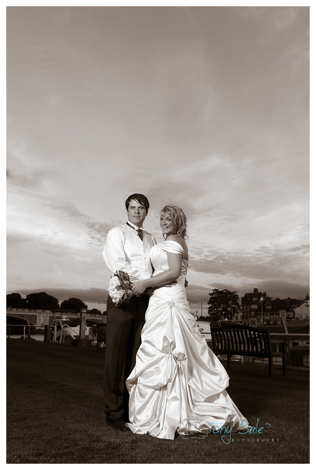 Hampton Court Wedding_Tony Sale Photography_033
