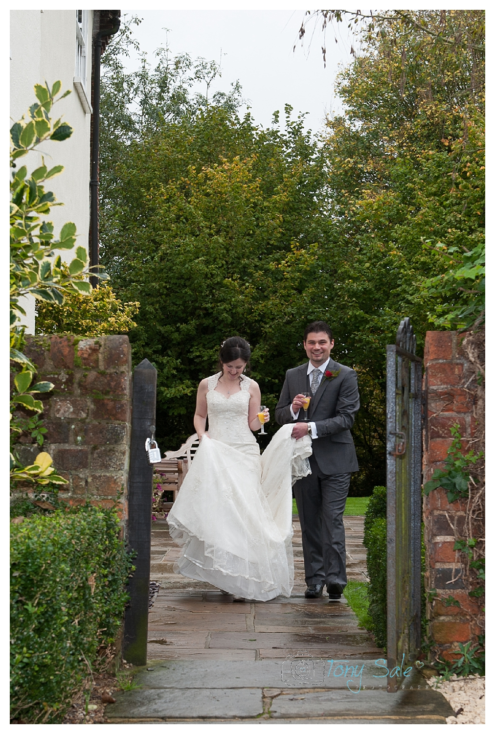 wedding-photography-newland-hall-chelmsford_017