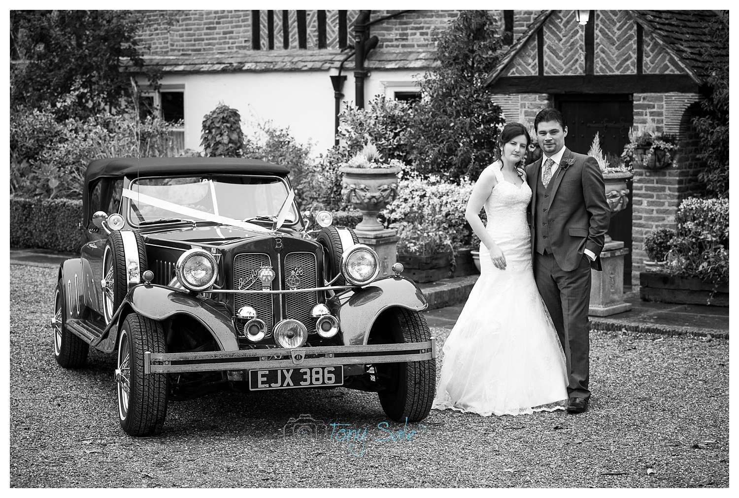 wedding-photography-newland-hall-wedding car