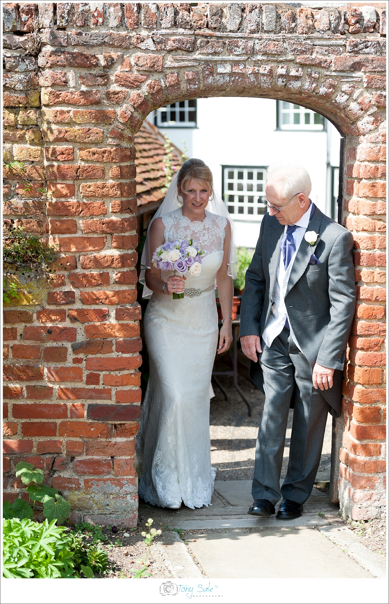 Wedding Photography_Cressing Temple Barns_014