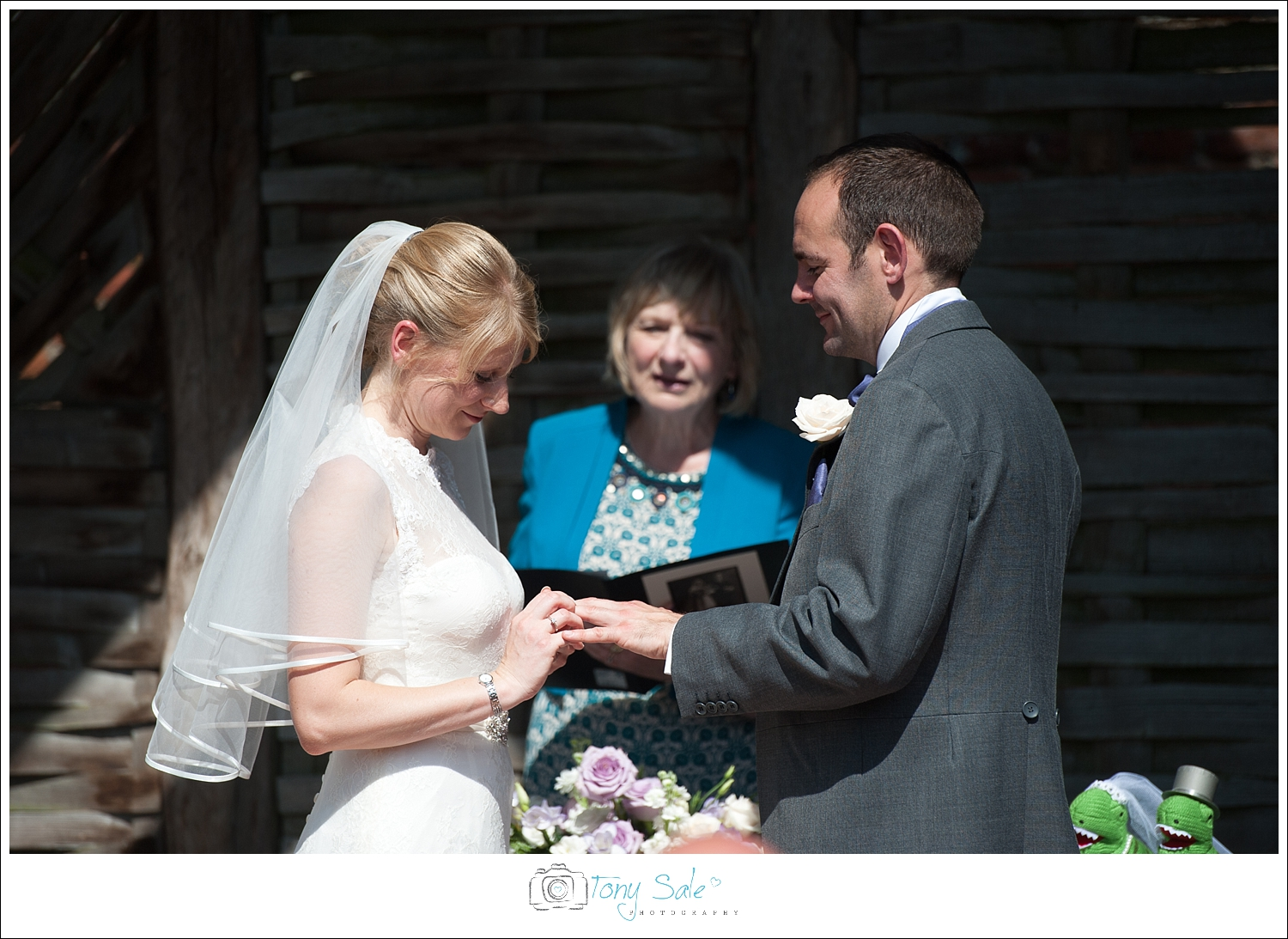 Wedding Photography_Cressing Temple Barns_017