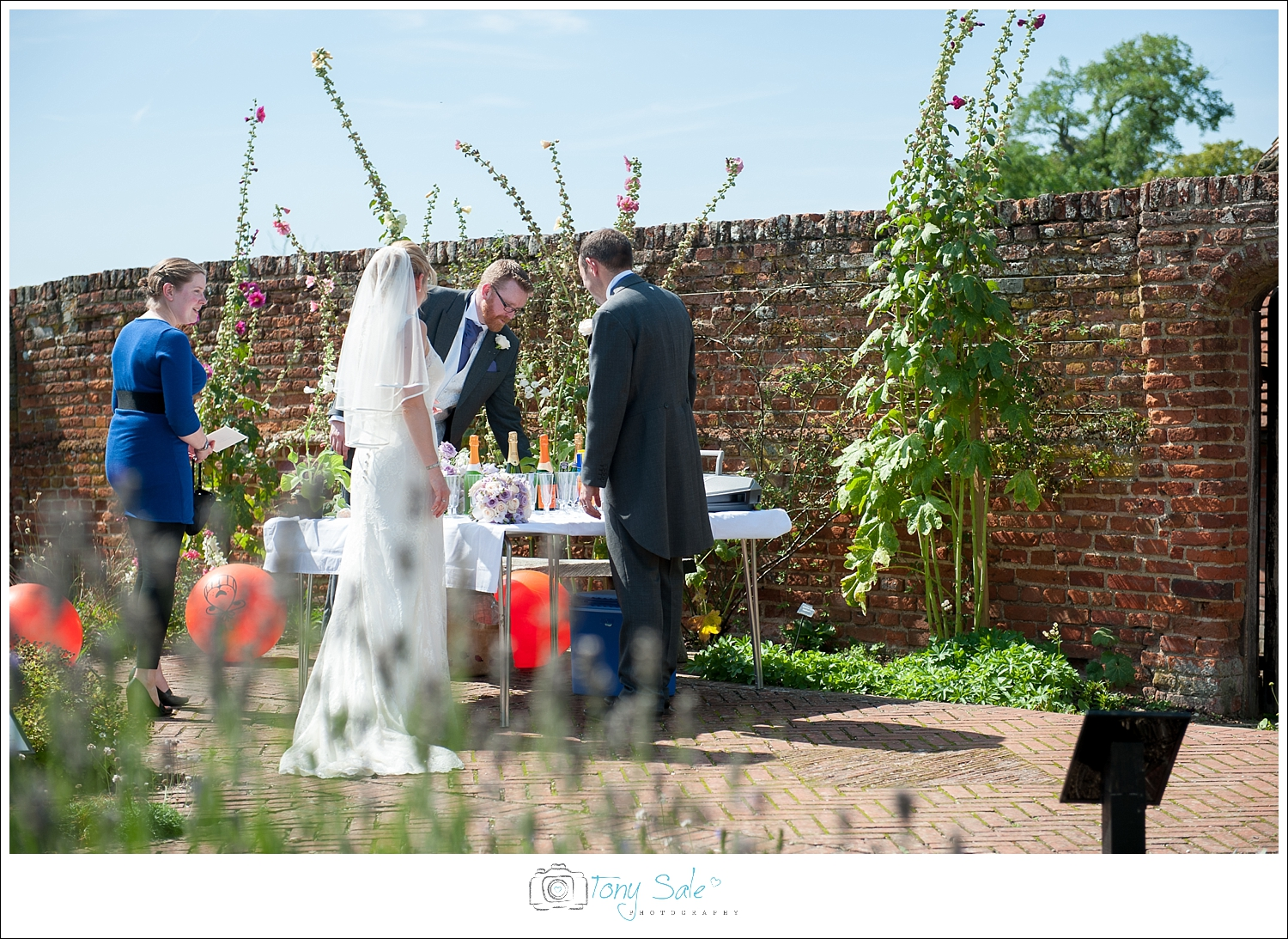 Wedding Photography_Cressing Temple Barns_024