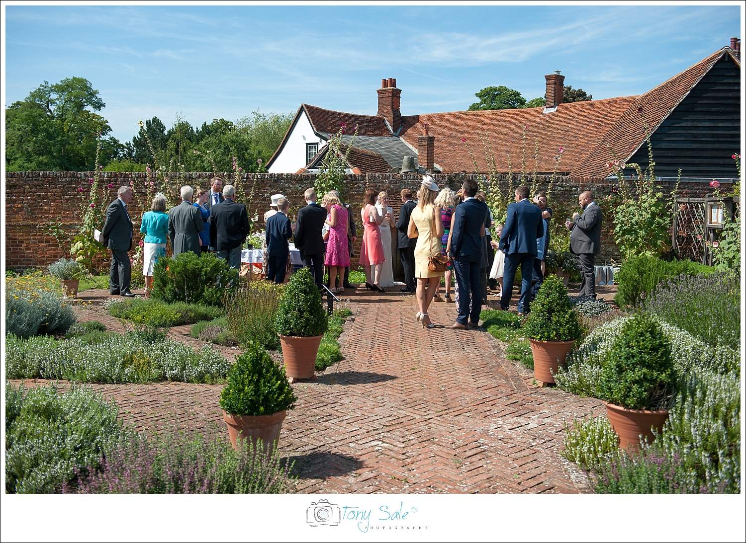 Wedding Photography_Cressing Temple Barns_026