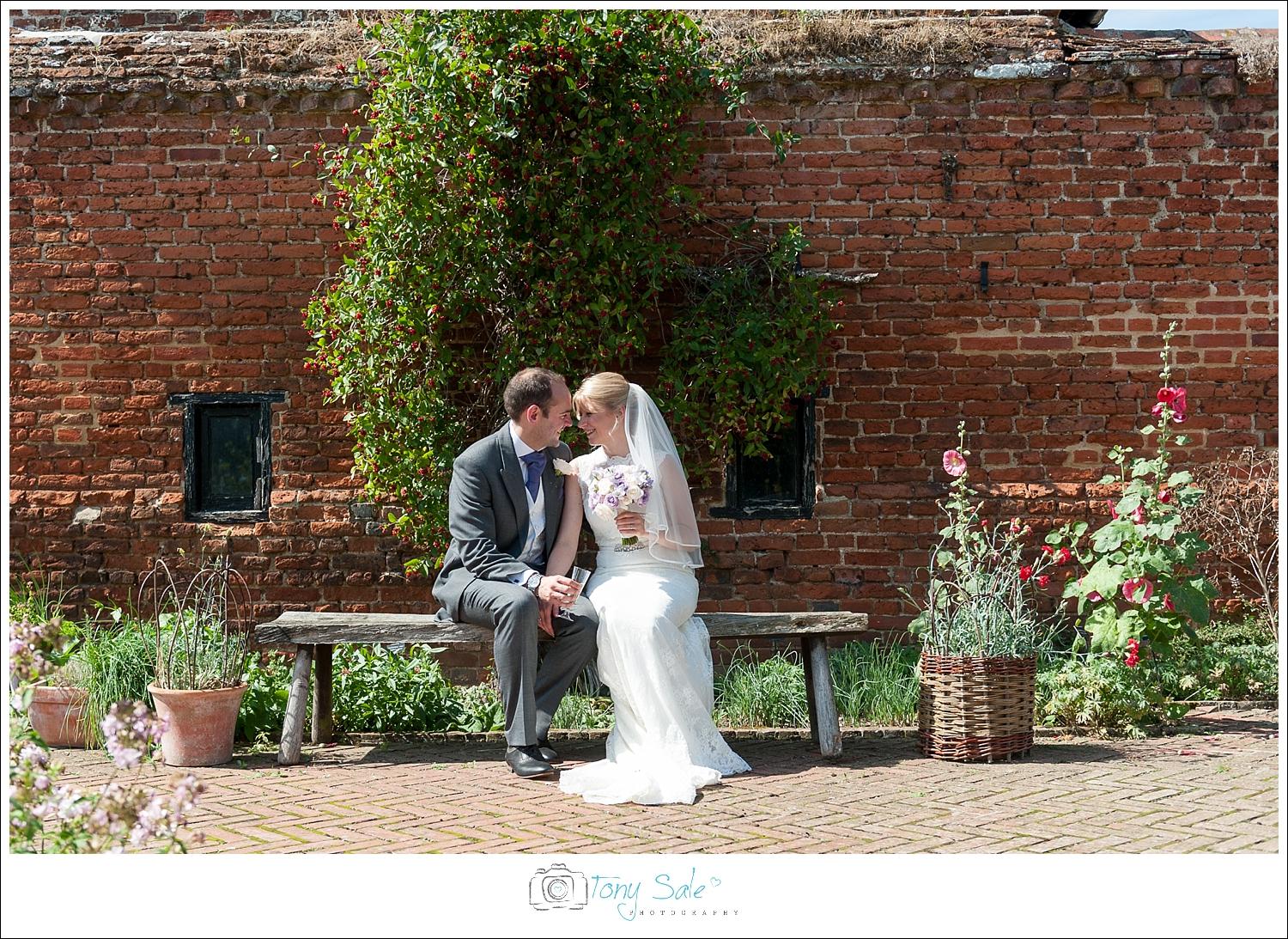 Wedding Photography_Cressing Temple Barns_028