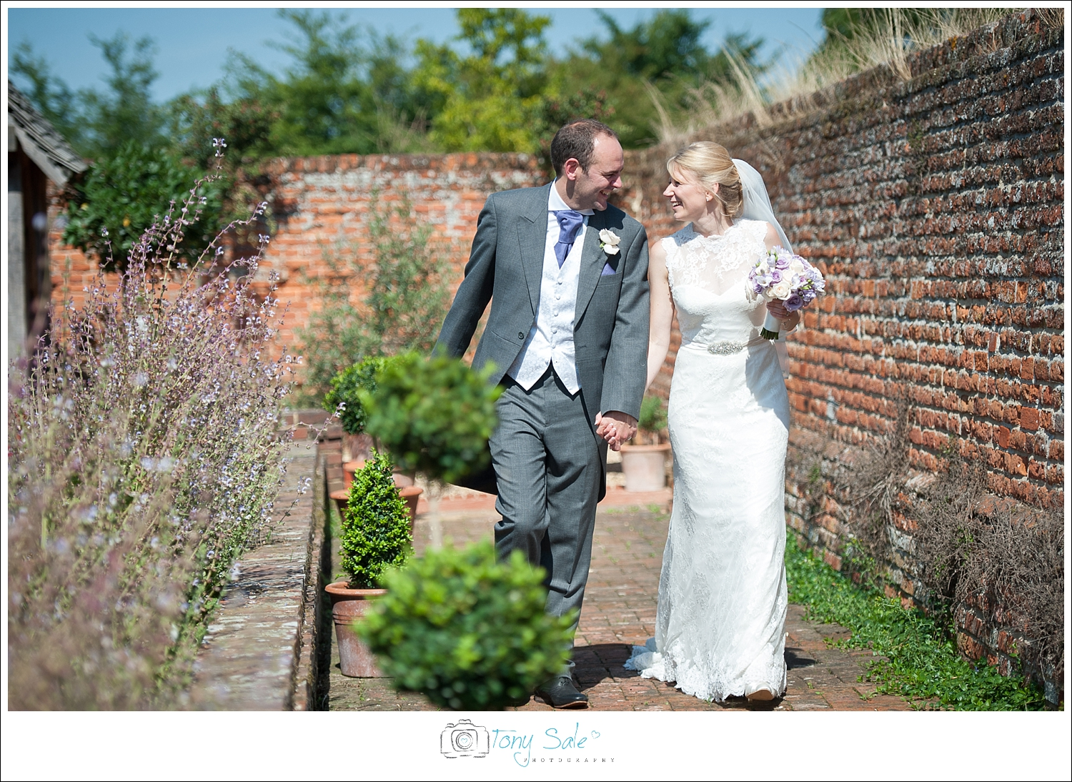 Wedding Photography_Cressing Temple Barns_032