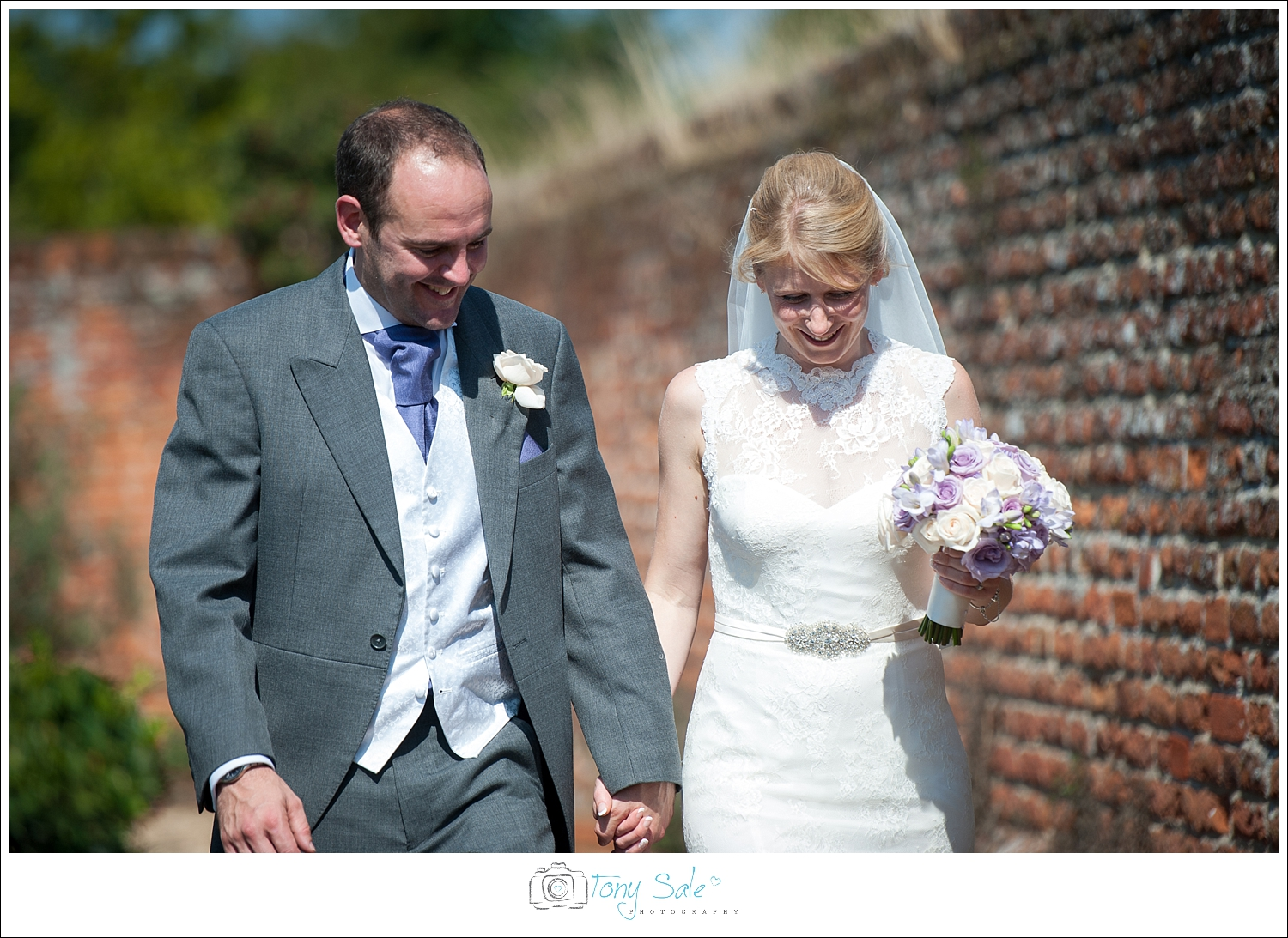 Wedding Photography_Cressing Temple Barns_033
