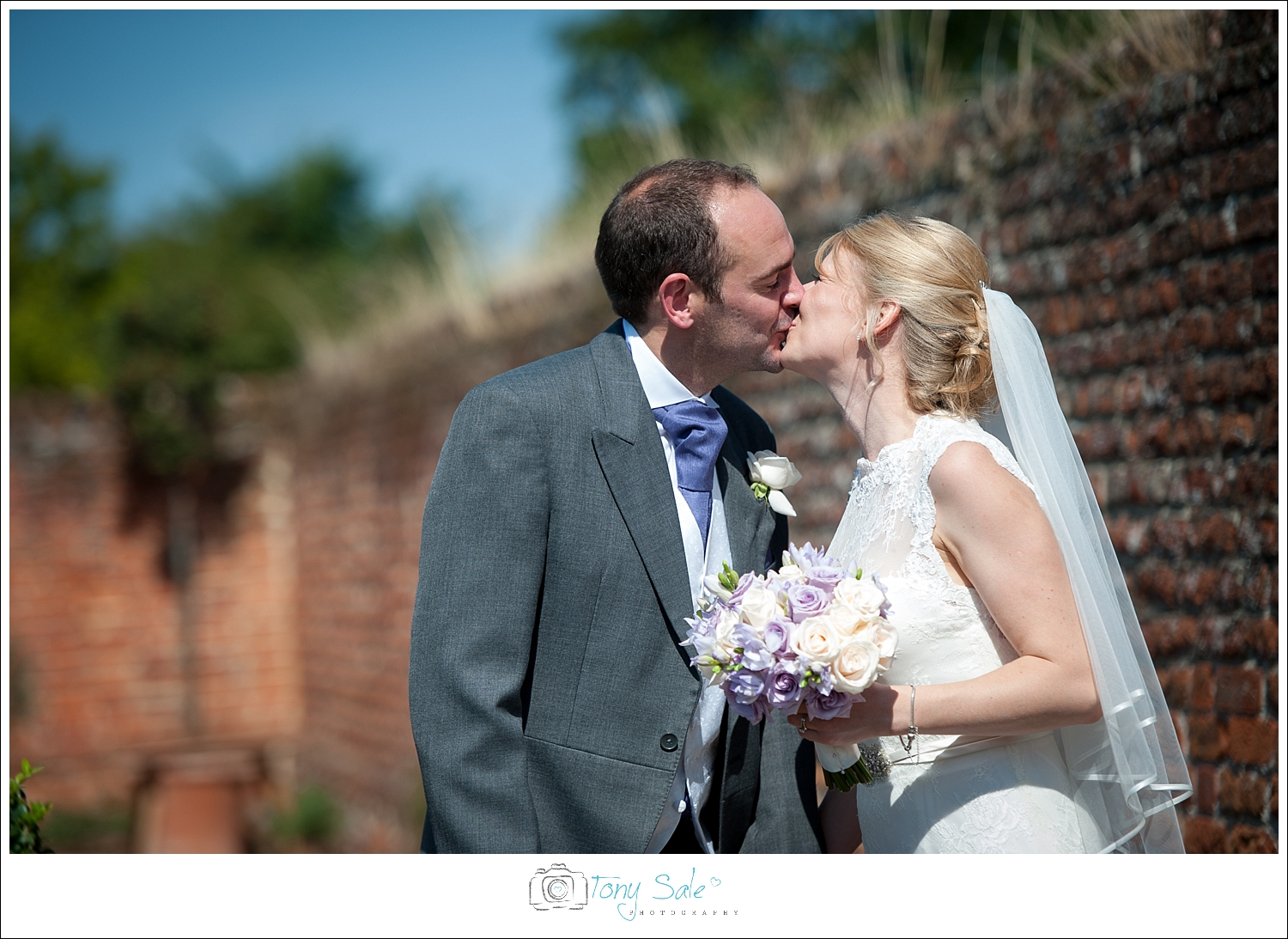 Wedding Photography_Cressing Temple Barns_034
