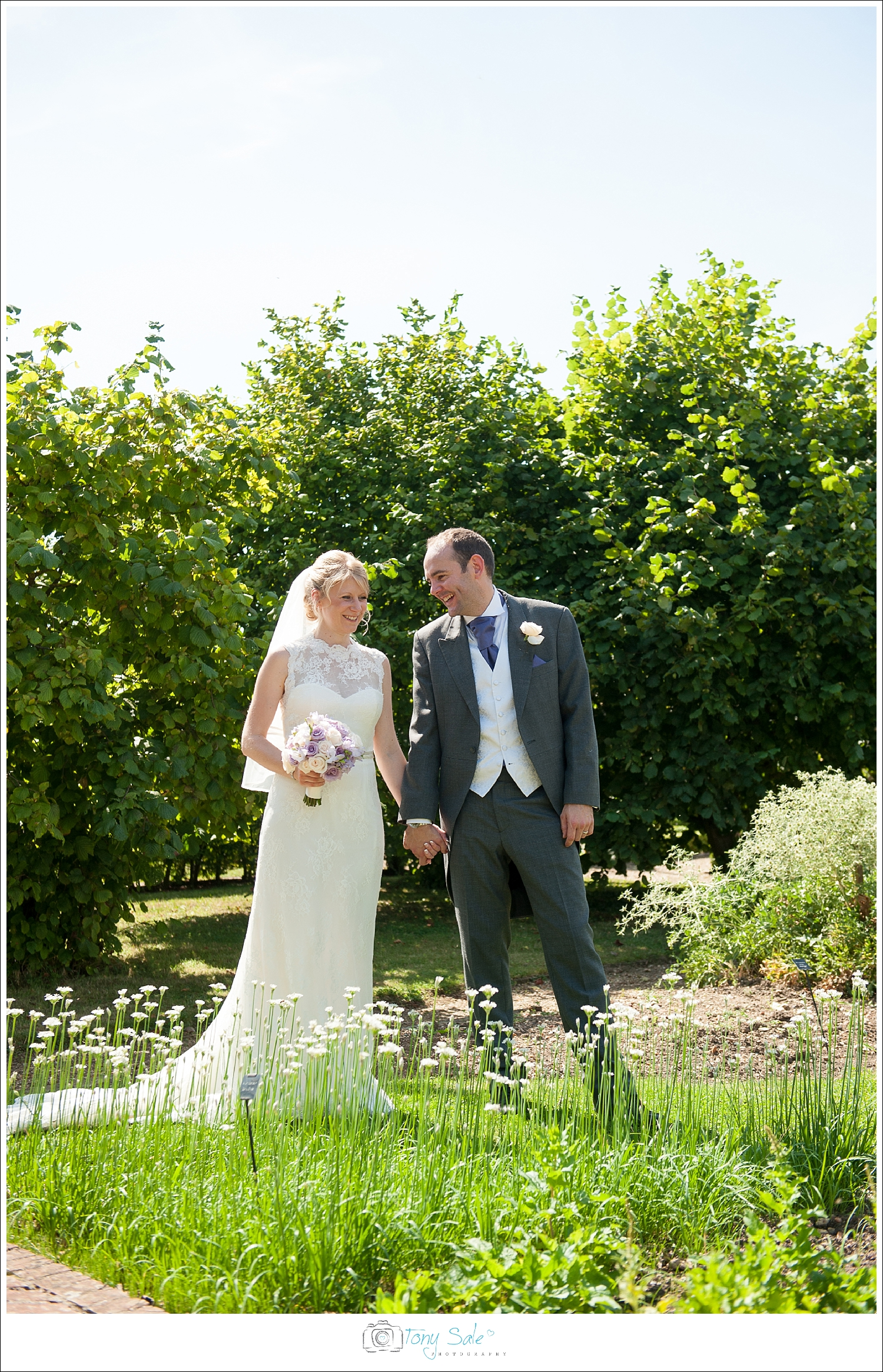Wedding Photography_Cressing Temple Barns_035