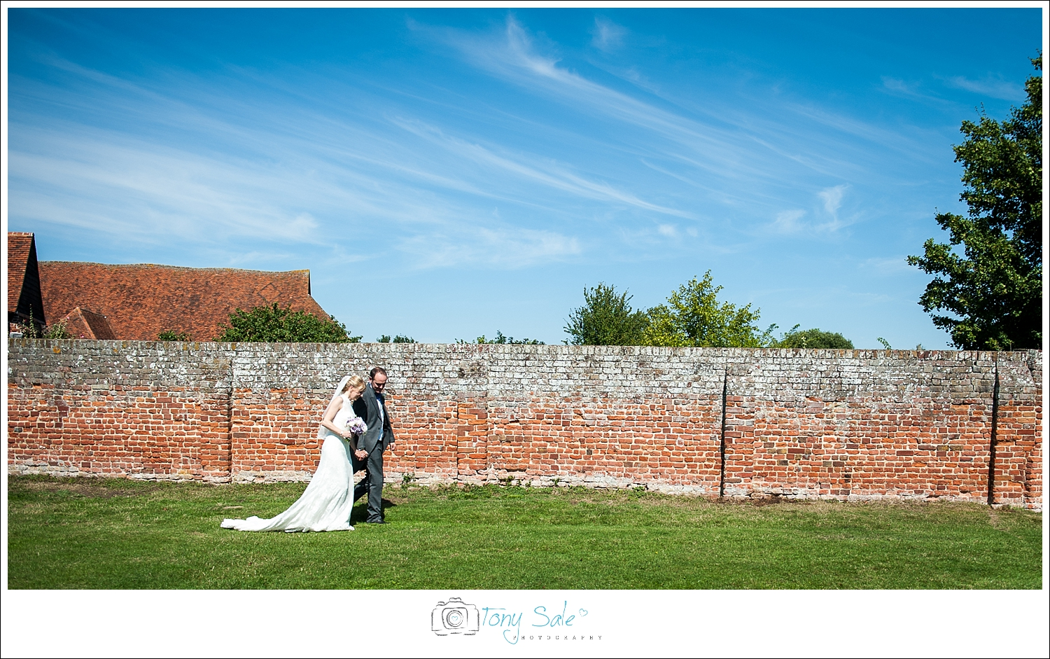Wedding Photography_Cressing Temple Barns_036